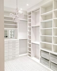 Walk In Closet Ideas - Searching for some fresh ideas to remodel your closet? Visit our gallery of leading luxury walk in closet layout ideas and also photos. Bedroom Closet Doors, Bedroom Closet Design, Wardrobe Closet, Bedroom Decor, Bedroom Wardrobe, Bedroom Ideas, Bedroom Plants, Bedroom Designs, Organizing Walk In Closet