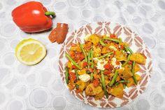 Spicy Chorizo, Pepper & Potato Frying Pan Recipe Savoury Dishes, Tasty Dishes, Side Dishes, Pan Recipe, Chorizo, Fresh Herbs, Potato Recipes, I Foods, Green Beans