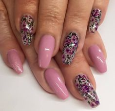3 Strips per pack 3 strips cover 30 to 45 nails Strip size : in x 6 in cm x cm) Design area: in x in approx. Violet Nails, Rose Gold Nails, Silver Nails, Pink Nails, Beautiful Nail Designs, Cute Nail Designs, Cute Nails, Pretty Nails, Hard Gel Nails