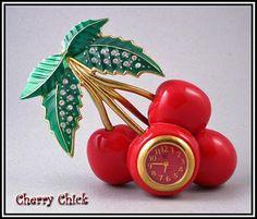 The cutest Cherry clock. Cherry Baby, Cherry On Top, Cherry Tree, Cherry Cherry, Cherry Ideas, Cherry Kitchen Decor, Red And White Kitchen, Cherries Jubilee, Grenade