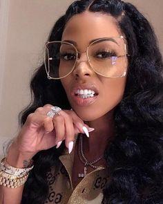 Sunglasses For Your Face Shape, Buy Sunglasses, Sunglasses Women, Oversized Sunglasses, Wholesale Sunglasses, Black Women Fashion, Womens Fashion Online, Female Fashion, Tom Ford