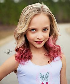 hould I keep the pink hair? Tell me in the comments! styl hould I keep the pink hair? Tell me in the comments! Girls Sports Clothes, Preteen Girls Fashion, Little Girl Photos, Cute Little Girls, Cute Girl Dresses, Cute Girl Outfits, Dance Moms Minis, Kids Hair Color, Dance Moms Season 8