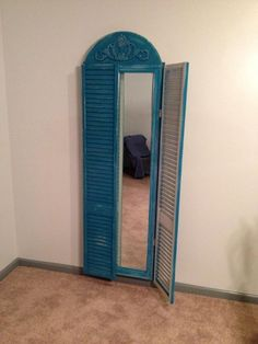 Full length mirror made from repurposed bi-fold closet doors. Could use old shutters instead Mirror Closet Doors, Mirror Frames, Old Doors, Mirror Frame Diy, Bifold Closet Doors, Mirror Repurpose, Diy Closet, Repurposed Mirror Frame, Diy Mirror