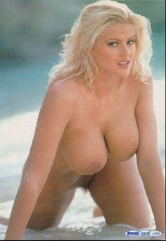 Anna nicole smith hot naked boobs apologise