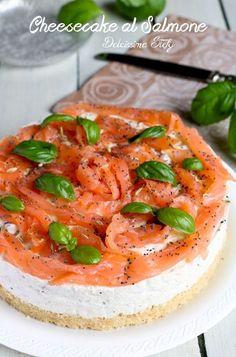 Cheesecake al salmone di Stefania Cheesecake Salgado, Savory Cheesecake, Good Food, Yummy Food, Cooking Recipes, Healthy Recipes, Prosciutto, Buffet, Diy Food