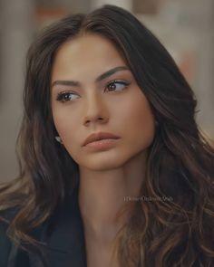 Animated Love Images, Cute Cartoon Girl, Turkish Beauty, Bad Girl Aesthetic, Tumblr Girls, Turkish Actors, Girl Crushes, Pretty Face, Ballerina