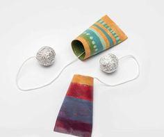jouet bilboquet papier toilette Toilet Paper Roll Art, Rolled Paper Art, Activities For Kids, Crafts For Kids, Kids Playing, Centre, Animation, Camps, School