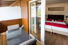Balkon und Zimmer des 4-Sterne-Hotel Gasthof Hotel Lercher  #Lercher #hotellercher #murau #Ausblick
