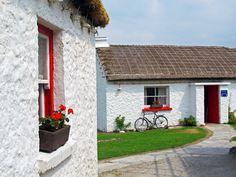 Glencolmcill Folk Village