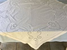 Victorian Table Topper . White On White Embroidery . Embroidered Linen  Cloth . Victorian Linen Tablecloth By Vintagous On Etsy