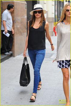 Miranda Kerr: My Mom's Key Ingredient Was Love | miranda kerr midtown manhattan 08 - Photo