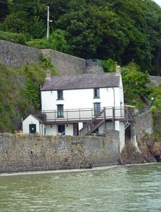 Welcome to the first of a new regular blog by Hannah Ellis, granddaughter of Dylan Thomas  #DylanThomas Hannah Ellis, Cymric, Dylan Thomas, Writers And Poets, My Poetry, Welsh, Homeland, Plays, Authors