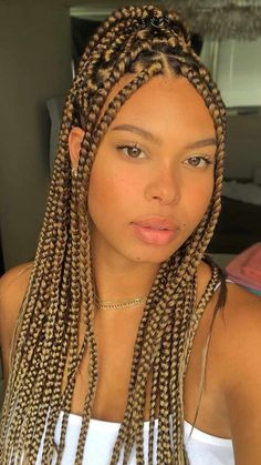 Braid Hair, Braids, Crochet Hair Styles, Afro Hairstyles, Protective Styles, Hair Goals, Queens, Ear, Glamour