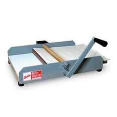 Bailey Mini Might II Table Slab RollerThe Bailey Mini Might II Slab Roller is a fantastic clay slab tool for both the professional and hobby ceramist/potter. It's small, portable, and makes beautiful clay slabs every time. Ceramic Supplies, Pottery Supplies, Ceramic Tools, Pottery Tools, Slab Pottery, Ceramic Clay, Clay Tools, Pottery Ideas, Art Supplies