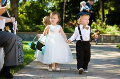Style Me Pretty | GALLERY & INSPIRATION | CATEGORY: RING BEARER | PHOTO: 715720