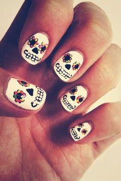 Cute dia De Los Muertos nail art