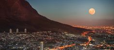 South-Africa-Cape-Town-Sunset-Moon