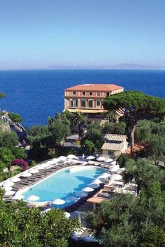 Grand Hotel Excelsior Vittoria, Sorrento, Italy Stayed here on our honeymoon In 2008 Amazing! Sorrento Hotel, Sorrento Italy, Naples Italy, Sicily Italy, Sorrento Weddings, Toscana Italy, Top Honeymoon Destinations, Honeymoon Hotels, Positano
