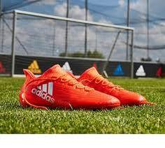 Resultado de imagen para fotos de futbol Cleats, Sports, Fashion, Football Pictures, Hair Beauty, Football Boots, Hs Sports, Moda, Cleats Shoes