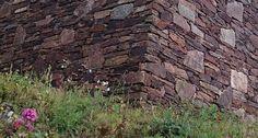Mur en pierre sèche (parement)