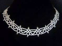 DIY Jewelry: FREE beading pattern for a beaded lace necklace, only using 11/0 seed beads.