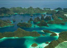 RAJA AMPAT ISLANDS, PAPUA INDONESIA   Read more in Real WoWz