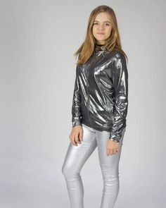 Hannah Montana, Bari, Youtubers, White Jeans, Celebrity, Outfits, Fashion, Tall Clothing, Moda