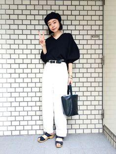Kanocoさんの「<高橋愛さんコラボ>ラブ&ピースプロジェクト ミラノリブ編み袖ぷっくりVネックニット(haco!)」を使ったコーディネート