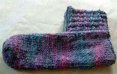 Slipper Boots Knitting Pattern/ Bulky weight yarn Size 9 US mm) needles Knitting Blogs, Easy Knitting, Knitting Socks, Knitting Patterns Free, Knit Patterns, Knitting Projects, Knitted Slippers, Knitted Hats, Yarn Sizes