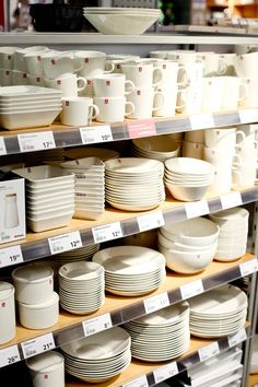 Tableware, Home, Interior, Cats, Architecture, Dinnerware, Dishes, Ad Home, Homes