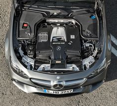 Mercedes-AMG E 63 S 4MATIC+ – Two twin-scroll turbochargers are deployed for the first time to boost performance.