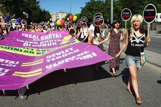 48 impactantes imágenes de mujeres manifestándose por todo el mundo