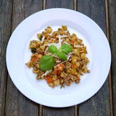 Experimente aus meiner Küche: Unsere Lieblingspasta – Nudeln mit Hackfleisch-Gemüse-Soße