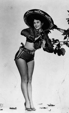 mexican pin up, Ana Bertha Lepe. Actriz y miss México y en 1953 obtuvo cuarta finalista de miss universo