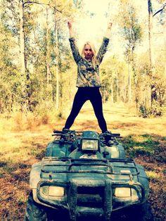 RaeLynn the country singer
