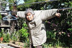 87歳のアマチュア写真家『西本喜美子さん』の自撮りが面白すぎる!! 最強おばあちゃんを徹底調査します♪   matomake [ まとめいく ]