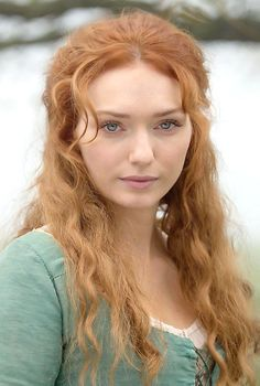 Eleanor May Tomlinson (born 19 May is an English actress, known for her roles as Princess Isabelle in Jack the Giant Slayer Isabel Neville in The White Queen, and Demelza Poldark in Poldark. Bbc Poldark, Poldark Series, Ross Poldark, Demelza Poldark Actress, British Actresses, Actors & Actresses, Disney Actresses, Female Actresses, Indian Actresses