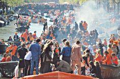 De Estraperlo: Koningsdag, an orange mess