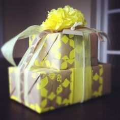 Compliment Wrap - Gift Wrapping Ideas | Creative Gift Wrapping | The Gifted Blog