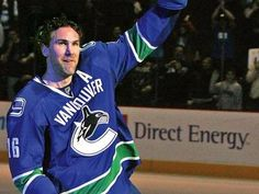 Vancouver Canucks & Trevor Linden - My favorite team and my favorite player! Hockey Games, Hockey Players, Ice Hockey, Hockey Logos, O Canada, Vancouver Canucks, Fox Sports, My Boys, Nhl
