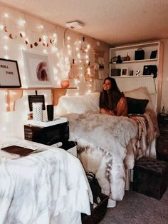 ✔ 70 gorgeous cozy dorm room ideas you'll want to copy 51 70 gorgeo. ✔ 70 gorgeous cozy dorm room ideas you'll want to copy 51 70 gorgeous cozy dorm room Cozy Dorm Room, Cute Dorm Rooms, Small Room Bedroom, College Dorm Rooms, Small Rooms, Bedroom Decor, College Tips, Master Bedroom, Decor Room