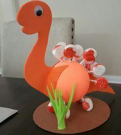 Lollipop Dino centerpiece
