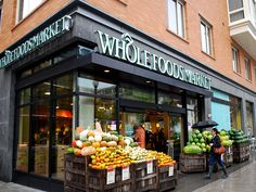Usa people check out Whole Foods healthy grocery stores!- that's for all who want healthy deli food and food for the house! - have a healthy breakfast lunch & dinner! Whole Foods Market, Whole Foods Grocery Store, Supermarket Design, Healthy Snacks, Healthy Recipes, Eating Healthy, Fruit Shop, Food Hacks, Whole Food Recipes