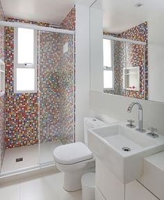 Most Popular Small Bathroom Remodel Ideas on a Budget in 2018 This beautiful look was created with cool colors, and a change of layout. Washroom Design, Toilet Design, Bathroom Design Luxury, Small Bathroom Layout, Tiny House Bathroom, Bathroom Ideas, Basement Bathroom, Bathroom Colors, Bathroom Design Inspiration