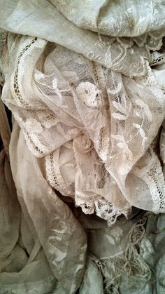 Old brocante lace and sjal