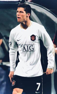 Manchester United Ronaldo, Cristiano Ronaldo Manchester, Cristiano Ronaldo 7, Ronaldo Champions League, Best Football Players, Referee, Graphic Sweatshirt, The Unit, Sweatshirts