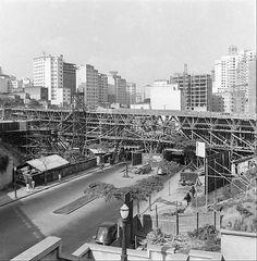 Viaduto 9 de Julho em construção - déc. 1940