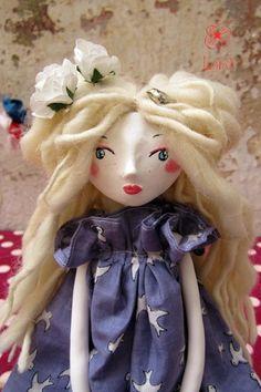 OOAK Artdoll Colombe poupée en pâte polymère doll par lilipom, $118.00  https://www.etsy.com/fr/shop/lilipom?ref=l2-shopheader-name