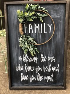 Family Sign, Embroidery Hoop Sign, Wreath Sign, A blessing, the ones who know you best and love you most - Dollar tree christmas diy Home Decor Signs, Diy Signs, Diy Home Decor, Love Signs, Embroidery Hoop Crafts, Vintage Embroidery, Embroidery Thread, Embroidery Patterns, Wood Crafts
