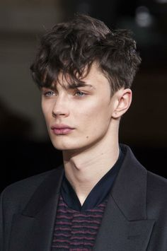 Medium Length Hairstyles for Men – Finished Crop + Heavy Fringe Easy Hairstyles For Medium Hair, Easy Hairstyles For Long Hair, Boy Hairstyles, Glasses Hairstyles, Beautiful Hairstyles, Bridal Hairstyles, Short Hair Styles Easy, Medium Hair Styles, Curly Hair Styles
